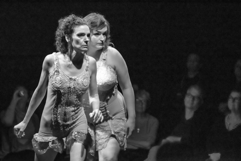 Deux danseuses du spectacle projet psyche